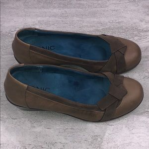 VIONIC Brown Wedges Size 7